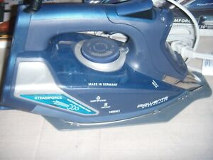 Rowenta DW9280 Steamforce Steam Iron, in box , great condition,400 holes 1800wat