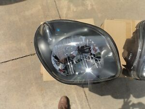 ISUZU VEHICROSS RIGHT HEADLIGHT  NEW OEM 99-01