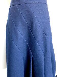 Carolina Herrera Wool Navy Blue Skirt NWT Retail $445 Price $175 Size 4