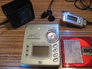 AIWA AM - F 70 Discman  F70 + Fernbedienung Minidisc Recorder Grünmetallic