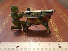 1940's MARX TIN LITHO 3D WWI WWII MACHINE GUN SOLDIER WIND UP CLICKER TOY