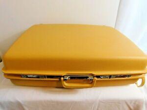 E3 - Samsonite Saturn Yellow Large Hardcase Suitcase - no key