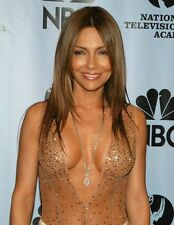 """Vanessa Marcil in a 8"""" x 10"""" Glossy Photo 968"""