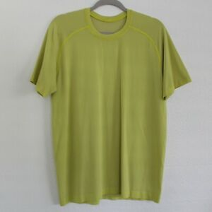 LULULEMON Yellow Lightweight Short Sleeve Stretch Workout Shirt - Men's Size M