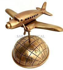 Antik Messing Aluminium Flugzeug auf Weltkarte Globus Base Heim & Büro