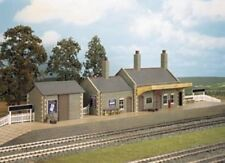 Wills CK17 Stone Country Station 00 Gauge = 1/76th Scale Plastic Kit - T48 Post