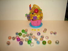 Blip Toys Squinkies Cupcake Bakery Gumball Machine Playset w Figures and Coins