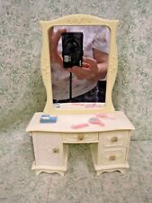 jk-162 Vogue Ginny doll furniture Vanity with drawers & cupboard that open