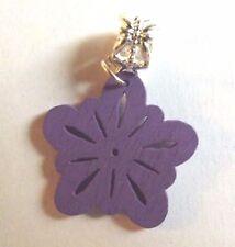 pendentif argenté fleur violette en bois