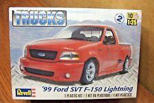 REVELL '99 FORD SVT F-150 LIGHTNING PICKUP TRUCK 1/25 SCALE MODEL KIT