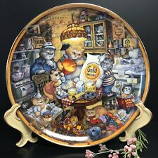 Vintage Collectible Plate Cat plate Franklin Mint Gold Metal Flour 115th