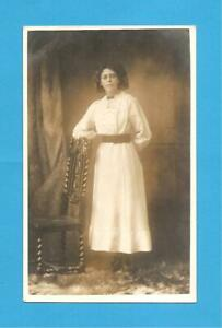 Study of lady, taken by T.H. Blackmore, Paragon Arcade, Hull .E Yorks Postcard.