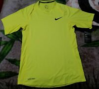 Nike Pro Men's Short Sleeve Training Top Size Small Green Reflective Activewear