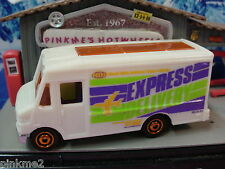 2012/2013 Airport Ground Crew EXPRESS DELIVERY Truck∞White∞ New loose Matchbox