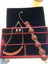 Bracciale color oro con grappoli di Pietre Colorate Ambra & Collana simile
