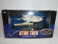 Hot Wheels U.S.S. Reliant NCC-1864 Star Trek Die Cast Metal Stand Mattel 2008