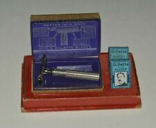 Vintage Gillette Tech Razor w/ Case