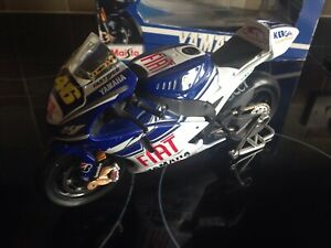 1/10th scale VALENTINO ROSSI YAMAHA MOTO GP MOTORBIKE BOXED GREAT CONDITION