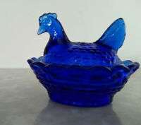 Vtg Boyd Signature Cobalt Blue Glass Chicken on Nest Salt Dish