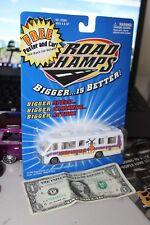1999 Road Champs - Winnebago RV Camper-Bug Mobile - 1:43 - Die Cast Metal