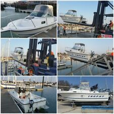 Bayliner Trophy walk around fishing Boat