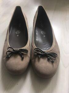 Beige Braun Jenny Damen Halbschuh Ballerina Größe 41,5 UK 8 Veloursleder