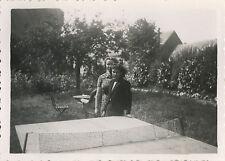 PHOTO ANCIENNE - VINTAGE SNAPSHOT - TENNIS DE TABLE PING PONG TABLE MODE-FASHION