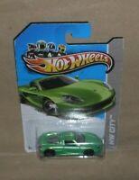 Hot Wheels HW City Porsche Carrera GT  2012 /13  green  L/card (c)
