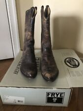 FRYE Women's 10 Billy Pull On Distressed Leather Cowboy Boots