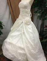 ELEGANT STRAPLESS WHITE  CORSET WEDDING DRESS BRIDAL GOWN RENAISSANCE FAIR SZ M