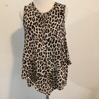 VINCE CAMUTO NEW Women's Asymmetrical Hem Animal print Blouse Shirt Top XS