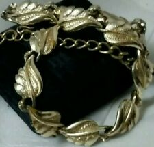 Vintage Pre Copyright Coro Pegasus Gold Tone Leaf Styled Linked Choker Necklace
