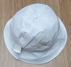 INTERNATIONAL HEADWEAR White Showerproof Panel Beanie Hat Size XL