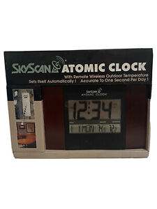 SkyScan Atomic Clock With Remote Wireless Outdoor Temperature New Wood Grain