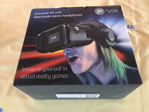 Universal VR With Detachable Stereo Headphones