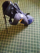 Preowned Wilson Lightweight Golf Clubs Carry Bag With Stand & Dual Carry Straps