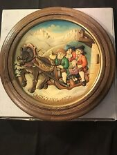 VINTAGE ANRI HAND CARVED 1980 CHRISTMAS PLATE WINTRY CHURCH-GOING IN SANTA