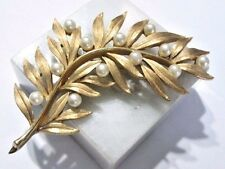 LARGE LEAF AND FAUX PEARL PIN TEXTURED FLORENTINE GOLD TONE SIGNED CROWN TRIFARI