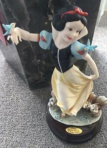1830C Snow White Giuseppe Armani