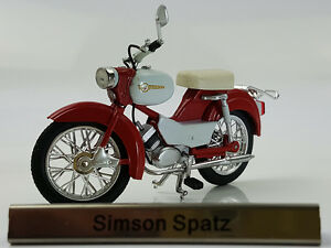 1/24 Atlas Simson Spatz Red/White motorcycle model