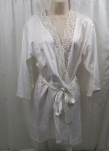 Women's Natori Deco Lace Robe Small
