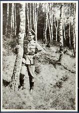 Foto Feldwebel mit Sturmabzeichen und Schirmmütze 1943 WK 2 WW2 Soldier ( I-376