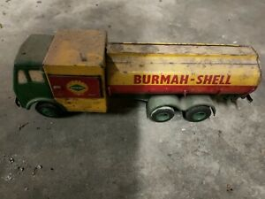 Old shell tin toy