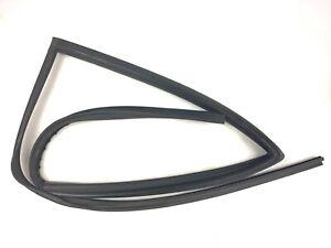 02-06 Honda CRV Right Rear Window Run Channel Molding Glass Guide Rubber Seal
