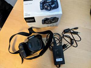 Sony Cyber-shot DSC-H200 20,1 MP Digitalkamera (inkl. Zubehörpaket)
