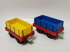 THOMAS THE TRAIN & FRIENDS TAKE ALONG - YELLOW & BLUE CARGO CARS - DIE-CAST