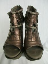 Camilla Skovgaard Metallic Leather Birdcage Booties (Pre-owned) Size 39.5/8.5 US