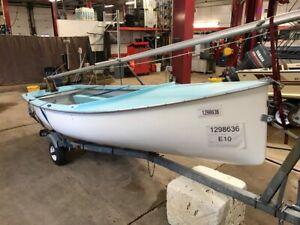 15' Albacore Skene Boats NO Motor w/ Miscellaneous Trailer  T1298636