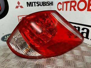 TOYOTA RAV4 2005-2009 O/S RIGHT GENUINE COMPLETE REAR LIGHT