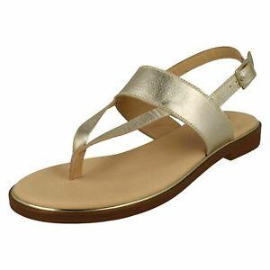 Clarks Ellis Opal Leather Toe Post Sandal